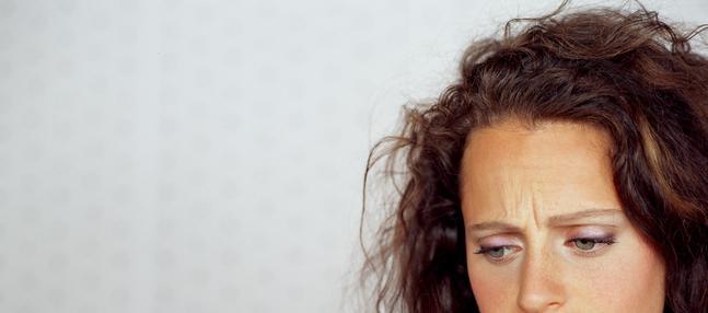 femme regard triste